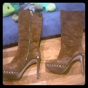Michael kors brown suede boots with gold accents